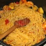 pates pimentees aux crevettes et legumes_photo site