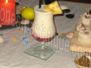 ...avec ce cocktail perlé coco et son ananas et son lait coco, son...