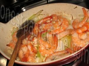 crevettes sautees oignon nouveaux et sauce japonaise_etape 3