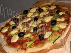 pizza tomme noire igp pyrennes courgette lard fume grille
