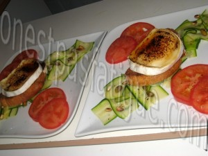 tartare courgette tomates et tartine chevre grille mielle_etape 8
