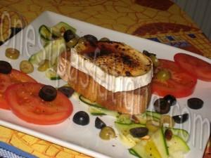 tartare courgette tomates et tartine chevre grille mielle