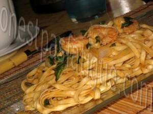 wok crevettes pimentées nouilles