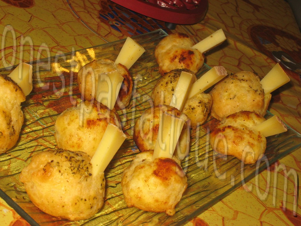 chouquettes comte_photo wall