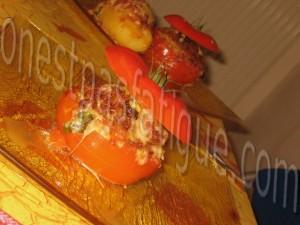 pommes de terre et tomates farcies