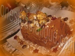 Bûche spéculoos-mirabelle, domes meringues-marron, gelee fruits rouges