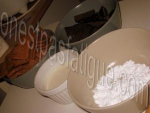 Bûche spéculoos-mirabelle, domes meringues-marron, gelee fruits rouges_etape 1
