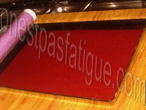 Bûche spéculoos-mirabelle, domes meringues-marron, gelee fruits rouges_etape 21