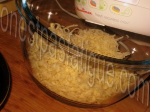 Roestis Appenzeller poire épicée et bouchées Monbéliard bleu noix_photo wall_etape 3